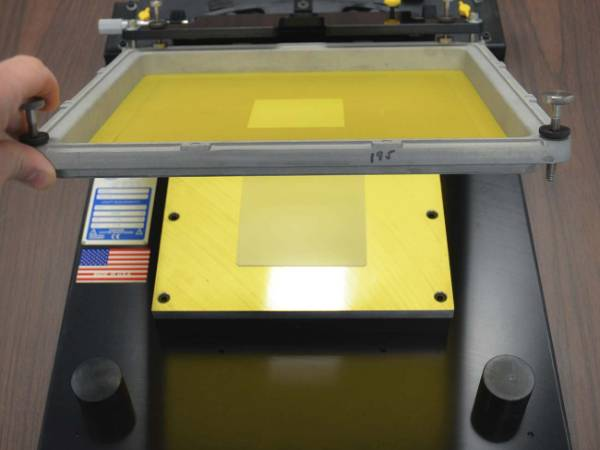 A production equipment of screen printing thickfilm.